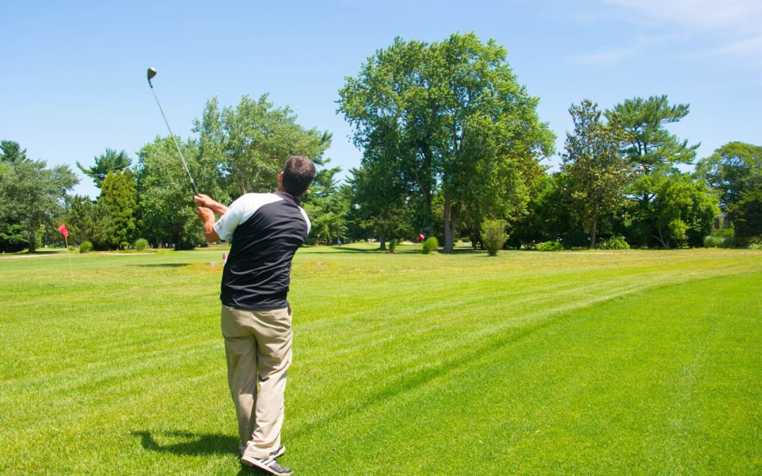 3 Exercises to Perform Before Hitting the Golf Course