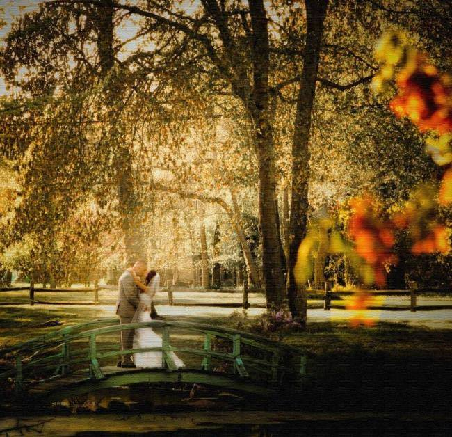 3 Simple Ways to Incorporate Autumn Accents Into Your Wedding
