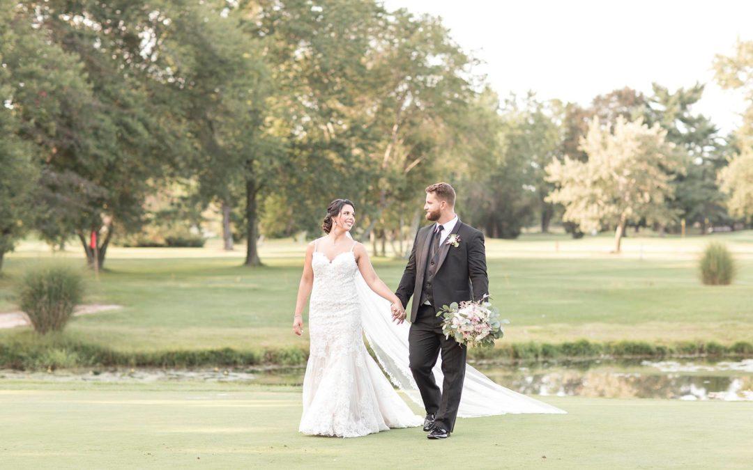 Choosing Between Indoor or Outdoor Weddings